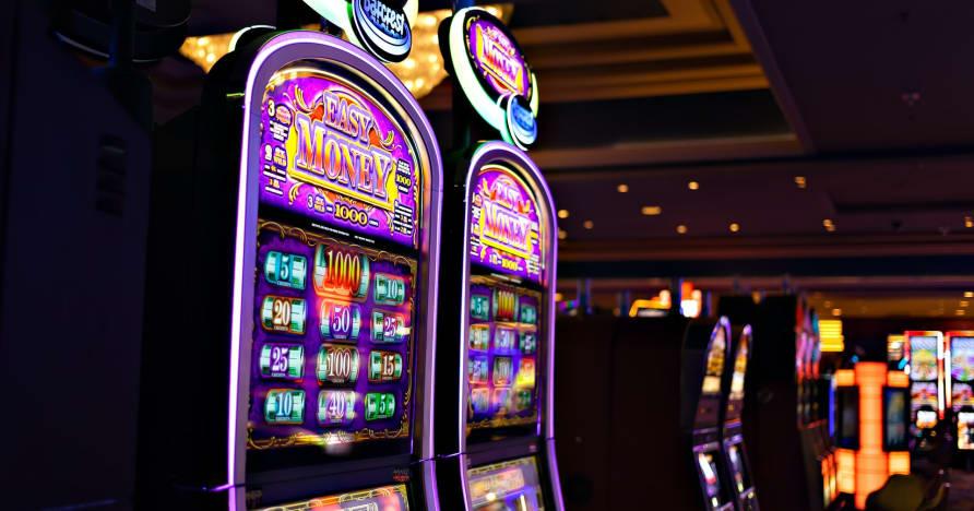 Τι πρέπει να ξέρετε για το Play'n Go Money Spinning New Slots - Rabbit Hole Riches